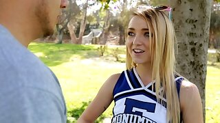 Petite High School Cheerleader Fucks Guy From Craigslist