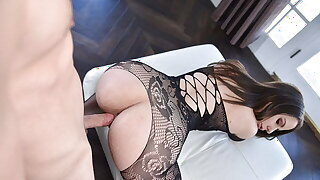 Thick Brown-haired Gets Rough Pounding While Wearing Pantyhose