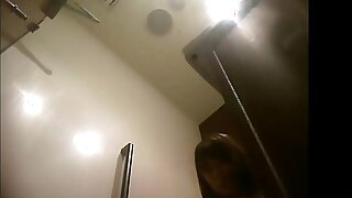 คลิปแอบถ่ายซ่อนกล้องดูหีสาวน่ารักในห้องน้ำโรงแรมชื่อดัง8